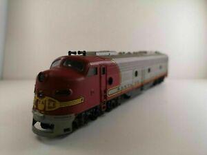 OO-HO-Gauge-Rivarossi-1801RIV-EMD-E8-of-the-Santa-Fe-Railroad-Boxed
