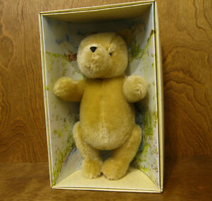 Classic-Pooh-Gund-Plush-7940-CLASIC-POOH-11-034-Fully-jointed-Mohair-Mint-Box