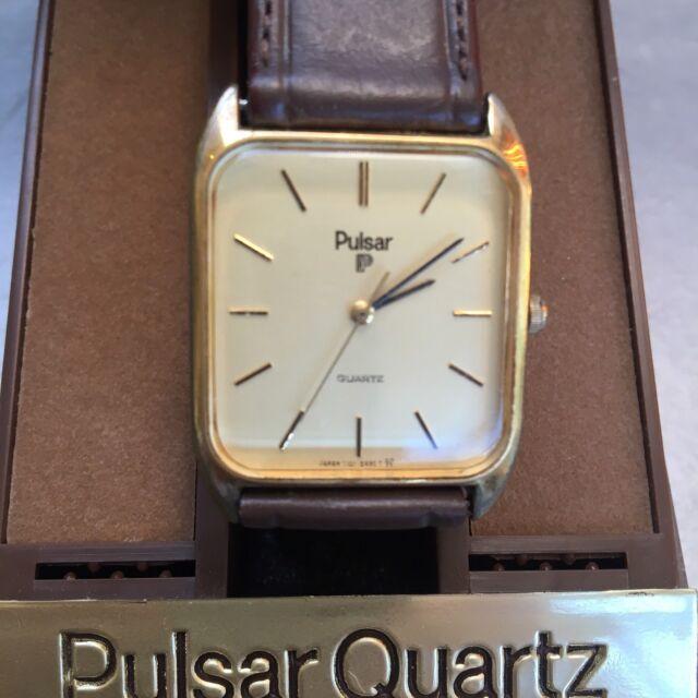 An Slim Case Quartz Watch Wrisch