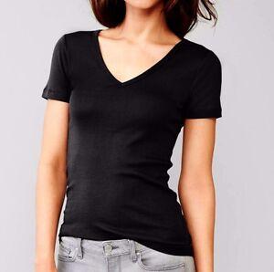 Gap Woman Modern V-neck Black short sleeve basic tee t-shirt