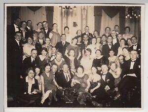 F30479-Orig-Foto-Gruppenbild-im-Saal-zum-Stiftungsfest-1926