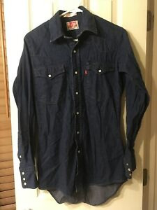 Vintage-LEVIS-Red-Tag-Men-s-Blue-Denim-Western-Shirt-Pearl-Snaps-Size-Small-EUC