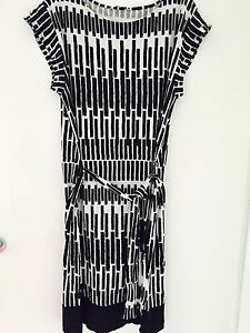 GORGEOUS-KEW-BLACK-AND-WHITE-DRESS-TUNIC-IN-A-SIZE-12