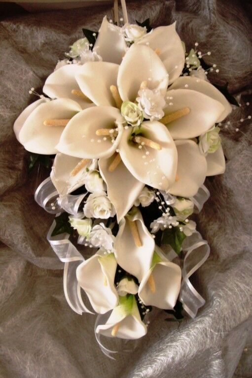 TEARDROP WEDDING BOUQUET, BEAUTIFUL CALLA LILLIES