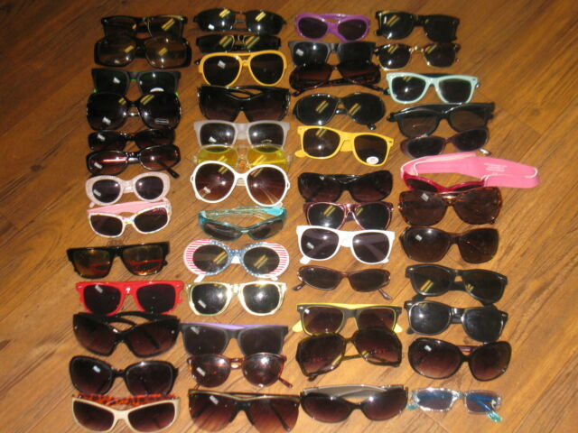 mixed lot of Womans Mens Childrens sunglasses preowned lot of 52 pair # 71