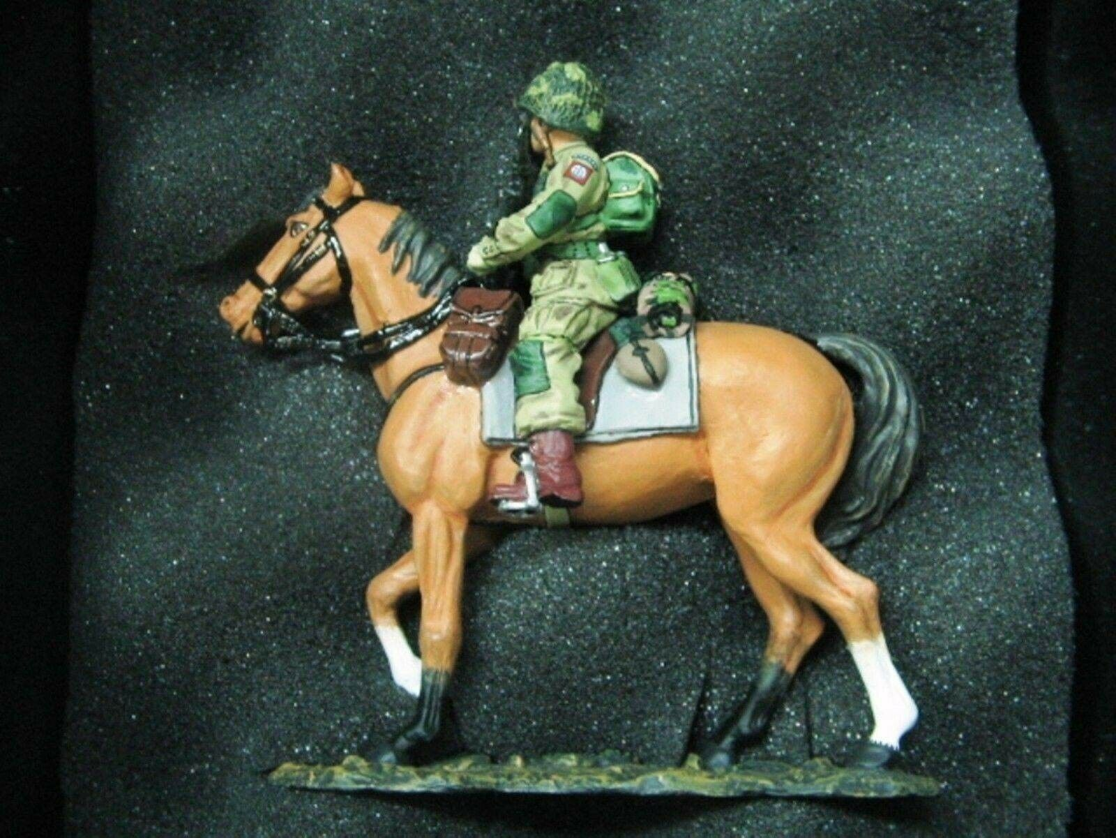 WOW EXTREMELY RARE RARE King & Country D Day DD071 US 82nd Paratrooper w  horse BNIB