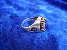 _edler Ring__925 Silber__mit dunklbleuem Stein__Facettenschliff__mit Gold_