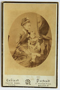 Madre Con la Sua Fille Foto David Rees London UK Vintage Cabinet Ca 1880