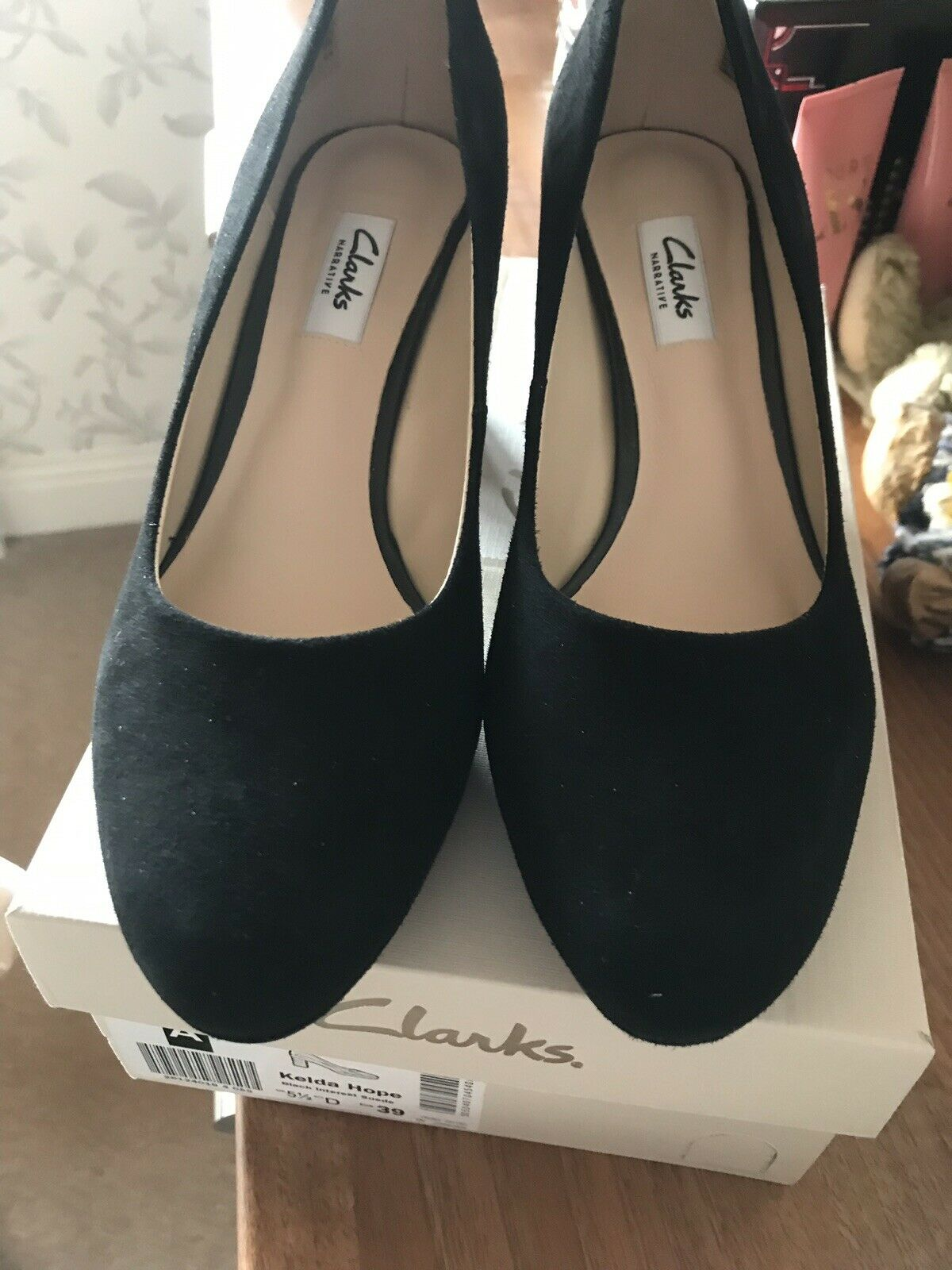 Clarks 5.5 D New With Box