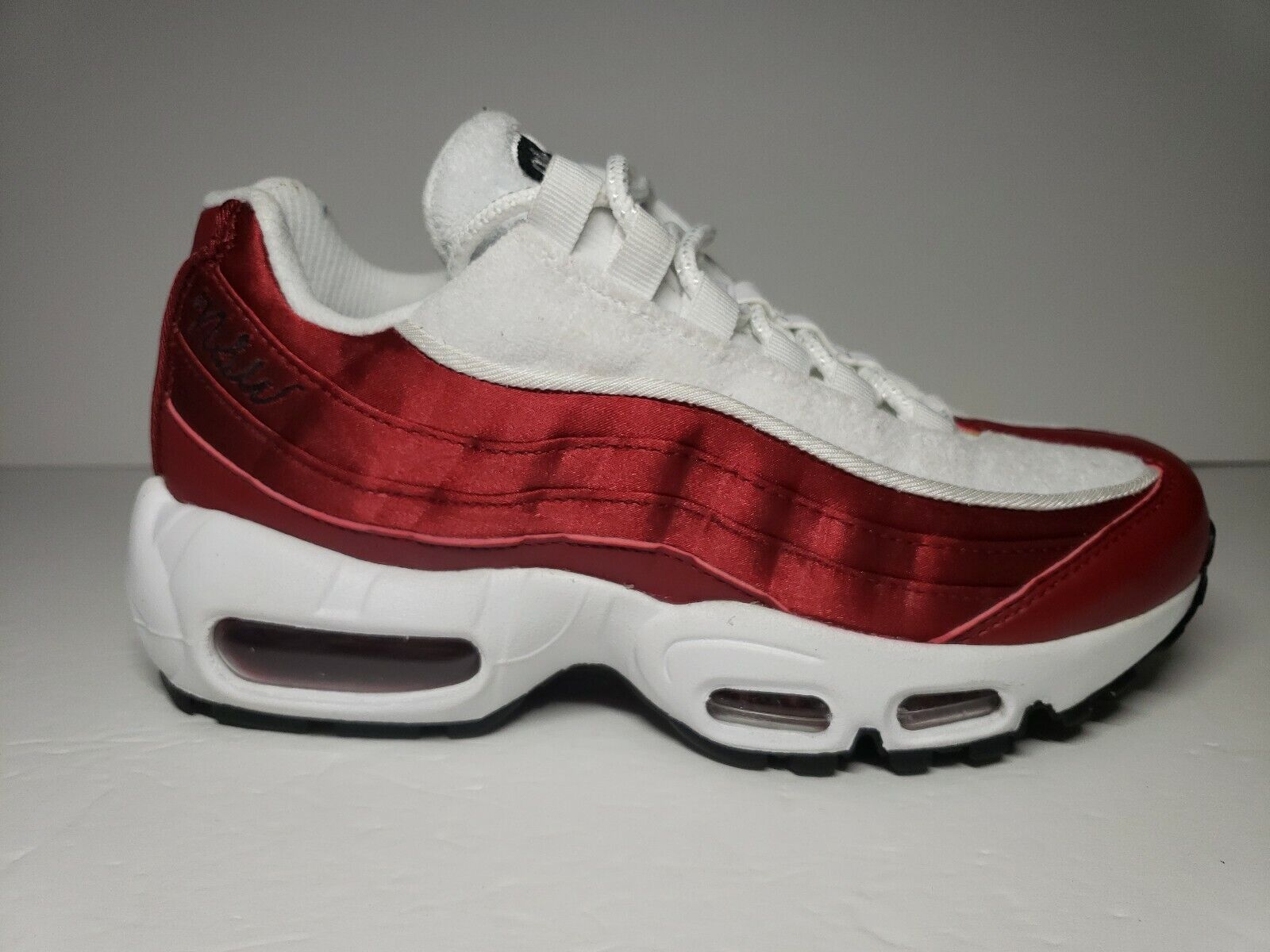 NEW Nike Women's Air Max 95 LX Satin Terry Red White Size 5 and 6 AA1103-601