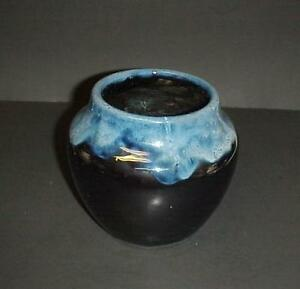 Hampshire-Pottery-Vase