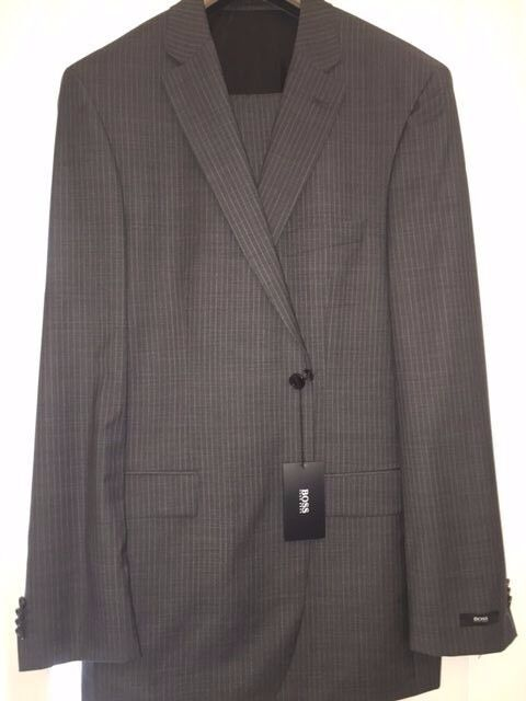 BNWT  HUGO BOSS MANS 2 PC  SUIT SIZE 44 LONG