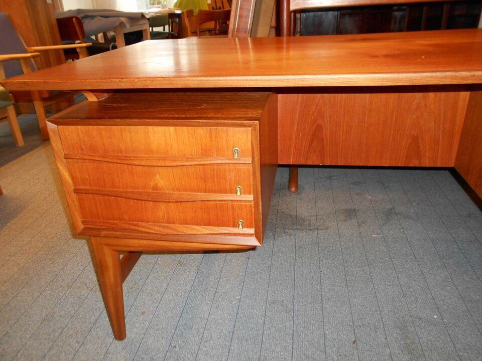 Skrivebord, Dansk Snedkermester, b: 160 d: 90 h: 74