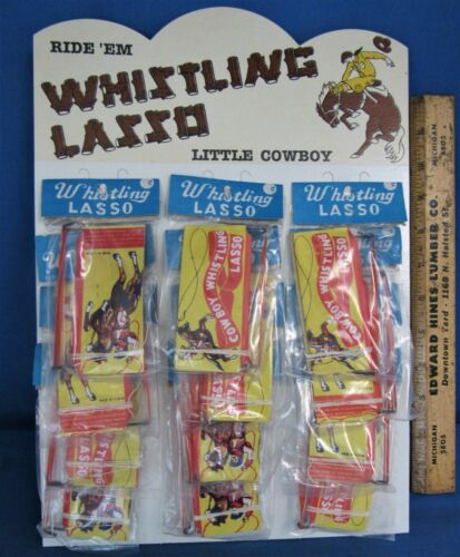 12 Whistling Lassos /& Store Display ~ Counter Top ~ 1950/'s Western Easel Display