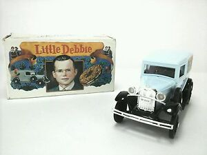 McKEE BAKING CO. LIBERTY CLASSICS Limited Edition Die Cast 1:25 NOVELTY BANK NIB