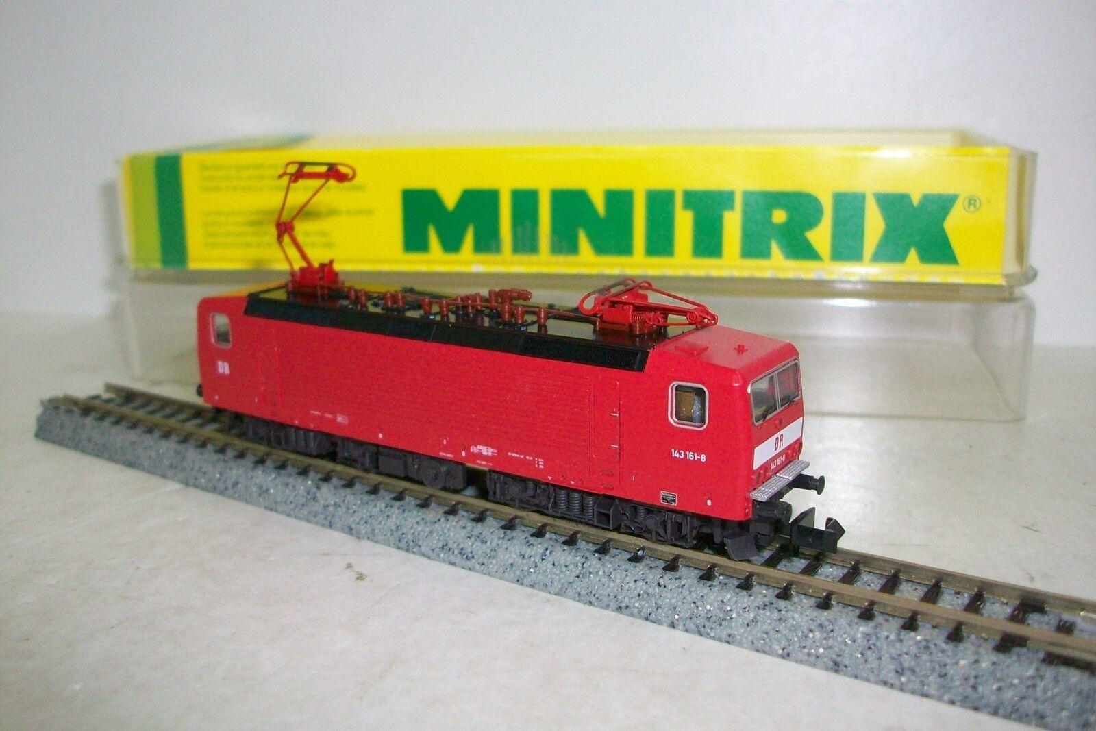 N  MINITRIX 12884   Locomotora  Electrica DR 143, con estuche original.