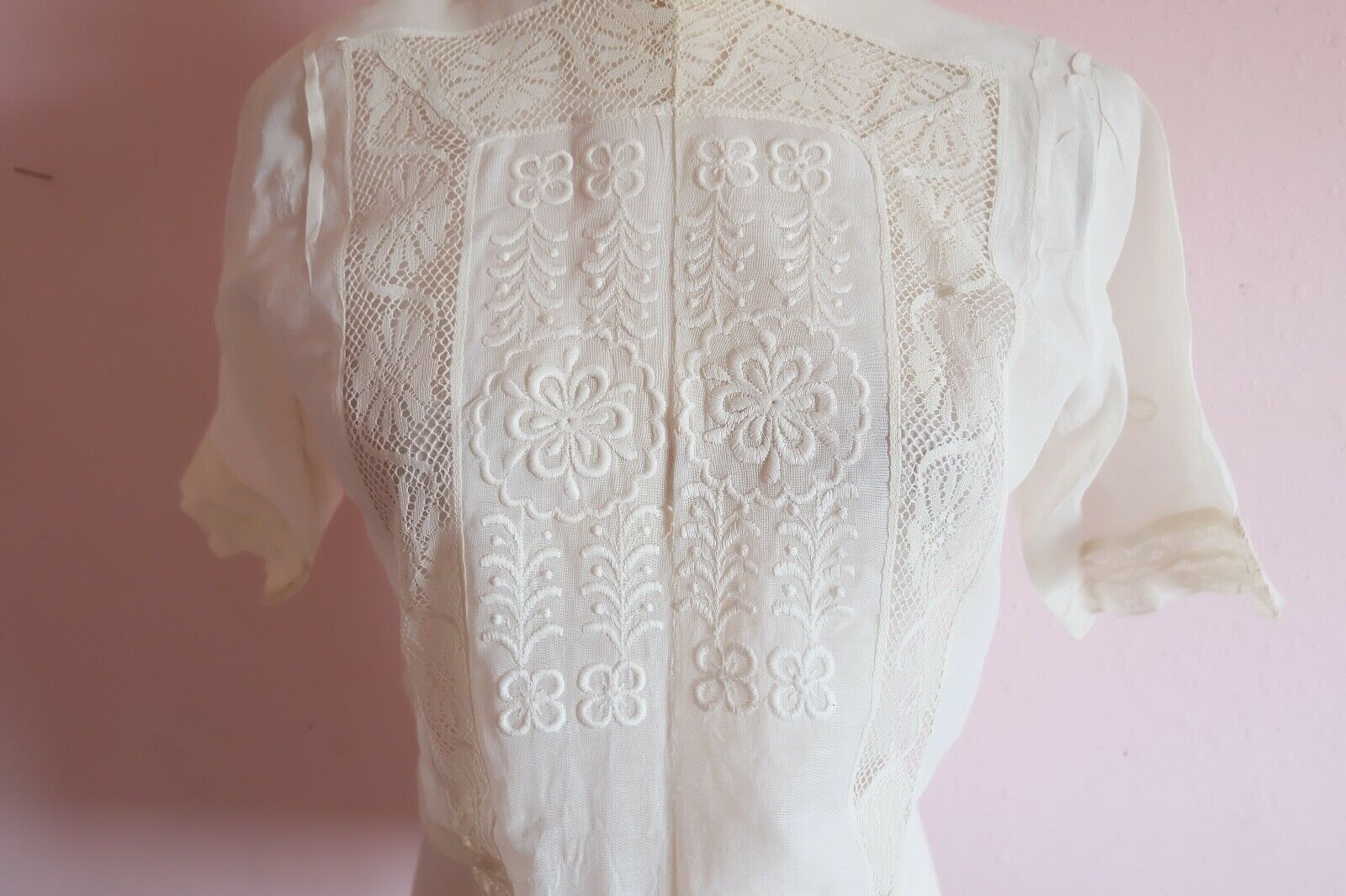 Antique Edwardian Women's Embroidered an Lace Ple… - image 11