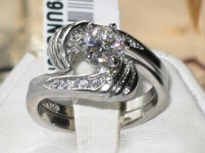 634 FAMOUS G  BUCKLE BAND SIMULATED DIAMOND RING STAINLESS STEEL NO TARNISH