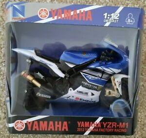 Yamaha Monster YZR M1 Die Cast Motorcycle 1/12 Valentino Rossi 2013 Moto GP