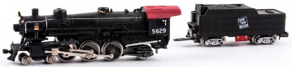 (B7) N Scale Con-Cor Steam Engine & Tender. Locomotive is a 4-6-2