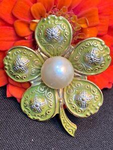 Vintage-Estate-Brooch-Pin-Gold-Tone-Green-Enamelled-Made-In-Spain-Flower-Clover