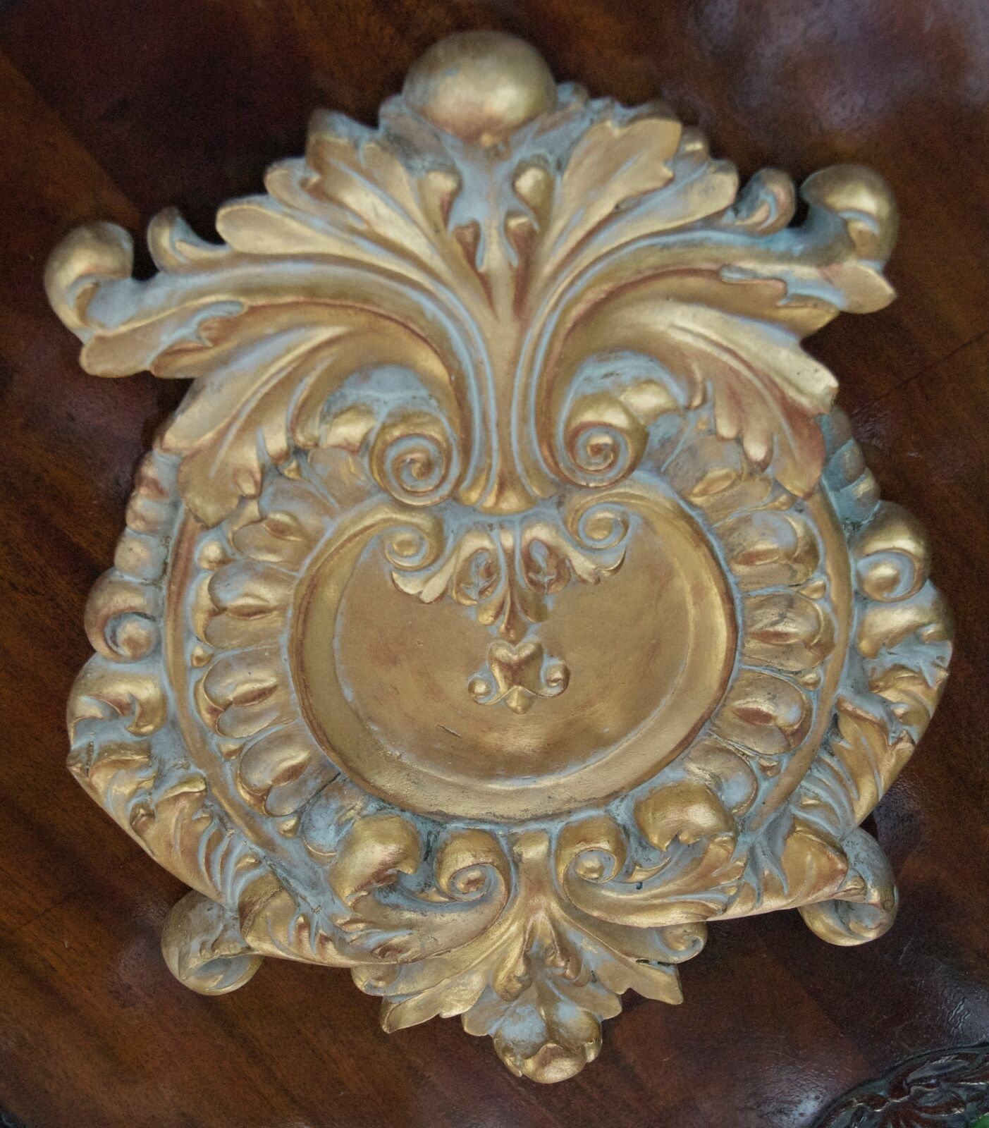 BAROQUE VICTORIAN WALL PLAQUE CHREST HOLLOW PLASTIC RESIN ANTIQUED Gold 14  HIGH