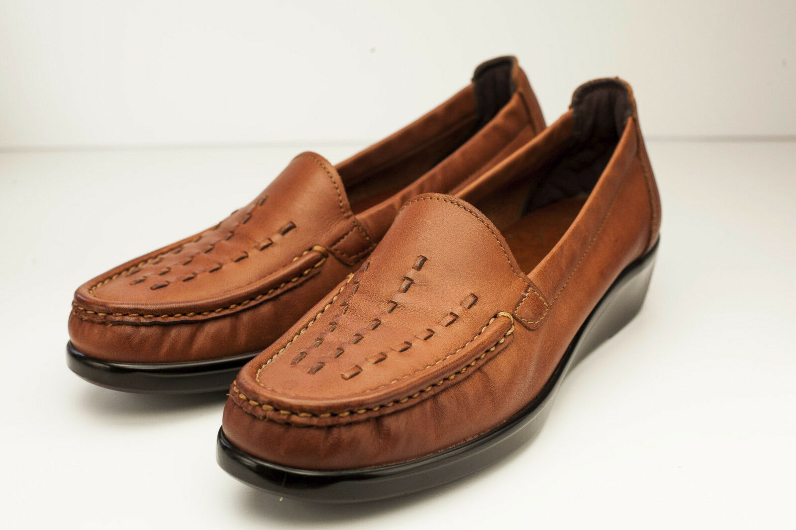 SAS Weave 7.5 Slim Brown Chesnut Loafers Women's Slip-On shoes