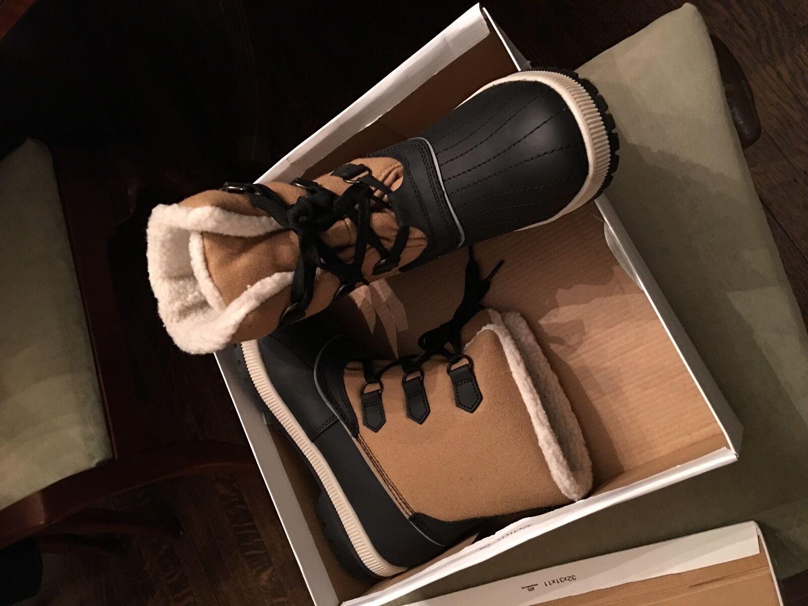 Abound snow boots, size 10 medium