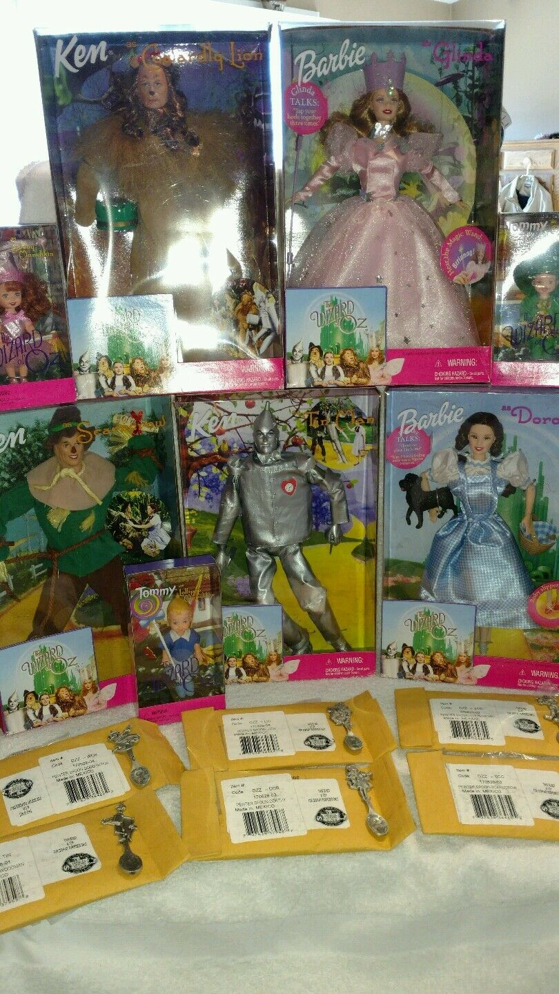 1999 Complete set of 8 WIZARD OF OZ Barbie and Munchkin Dolls w  Pewter Spoons.