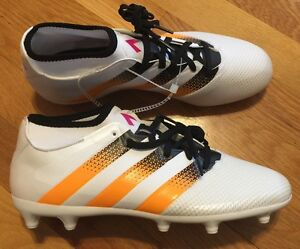 Adidas Women s Soccer Cleats Size 11 Nwob AQ3239 Ace 16.3  89517fcede