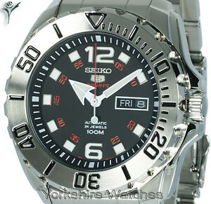New-Seiko-Baby-Monster-Auto-Black-Dial-With-Stainless-Steel-Bracelet-SRPB33K1
