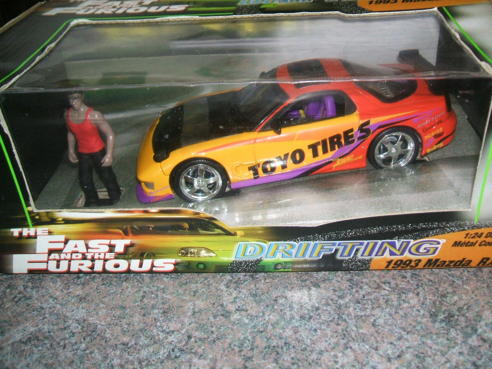 New 1993 MAZDA RX-7 rouge jaune Orange The FAST and the FURIOUS 1 24 Incl. Figure