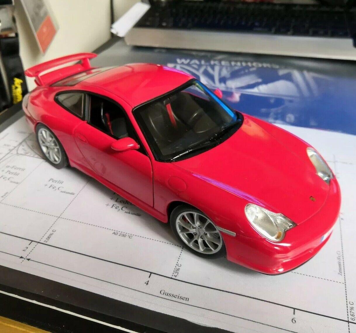 1 18 Hot Wheels PORSCHE 911 GT3 (996.2) rot