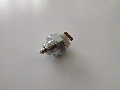 Interruptor de Luz Reversa Volvo Lemark LRL032 1307086-7 9442728 1307086