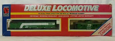 2019 Nuovo Stile Life-like Trains 8675 F40 Burlington Northern Diesel Locomotive 9987 + Caboose