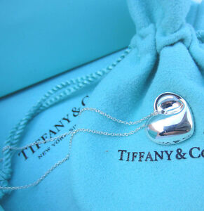 AUTHENTIC-Tiffany-amp-Co-Sterling-Silver-Folding-Heart-Pendant-Necklace-16-034-241