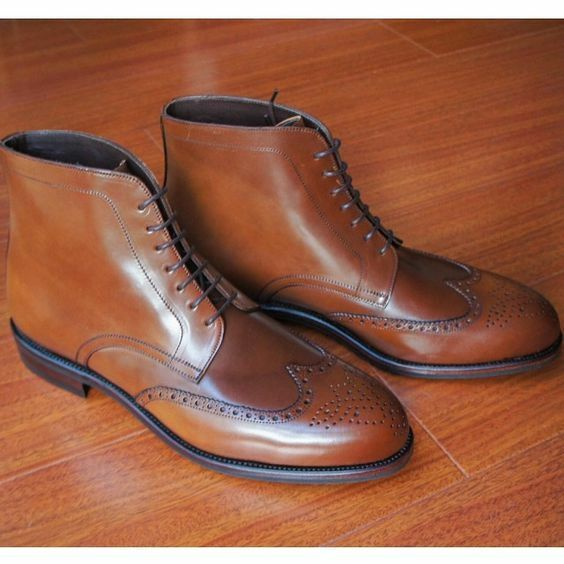 New Designer Men Brown color Chukka boots Men wingtip brogue ankle leather boots