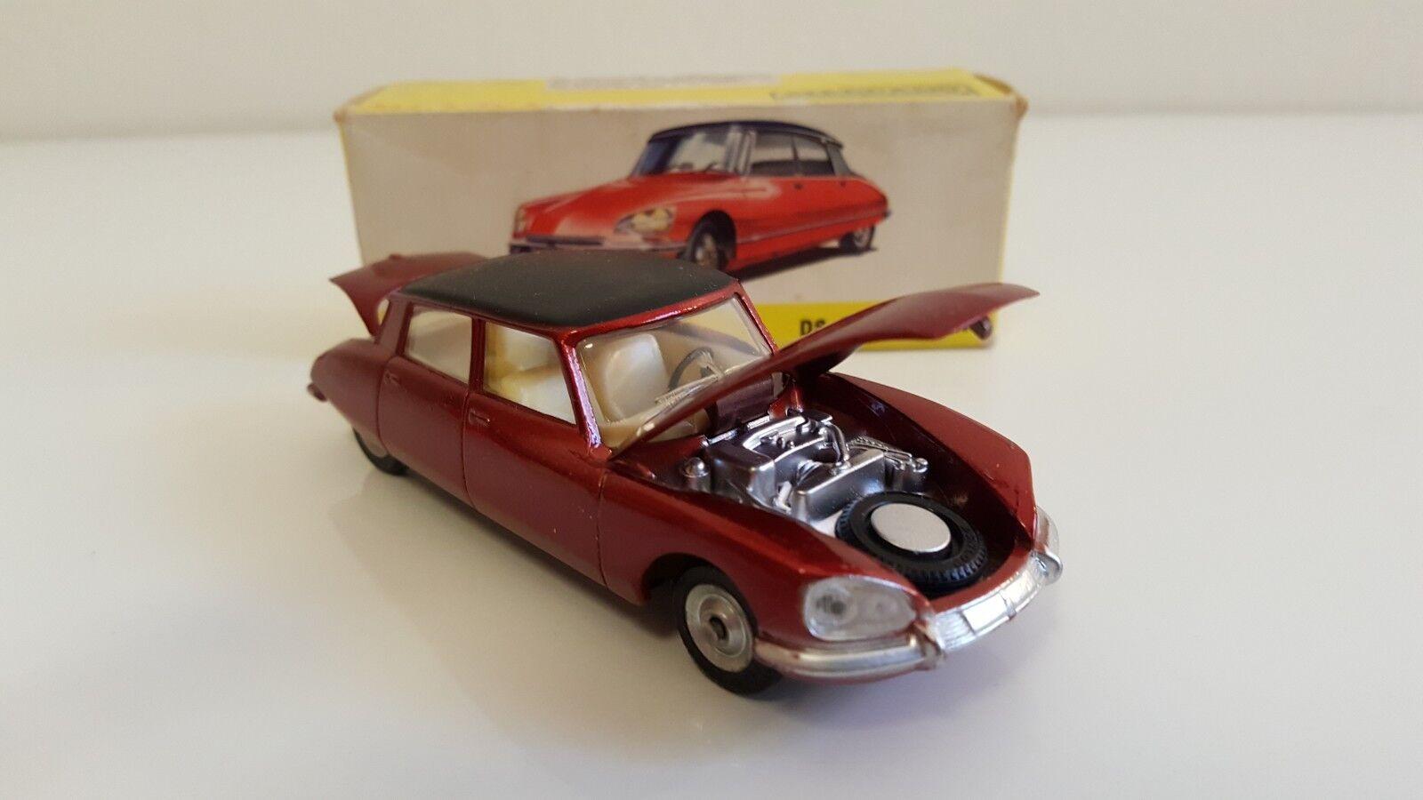 Dinky Toys - 530 - Citroën DS 23 en boîte d'origine (DTSpain, pas Atlas)