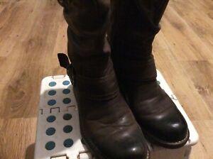LADIES-CLARKS-ARTISAN-BROWN-LEATHER-MID-UK3D-SLOUCH-ZIP-WINTER-WALKING-BOOTS