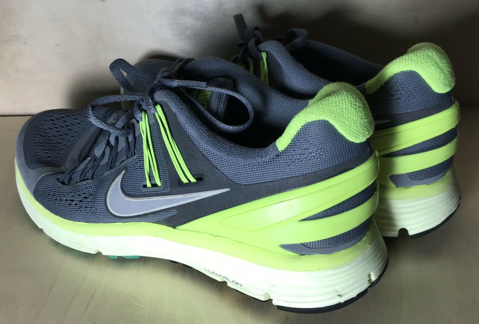 Womens Nike shoes Grey Green Size 7.5 Preowned Preowned Preowned Sneakers 1665a6