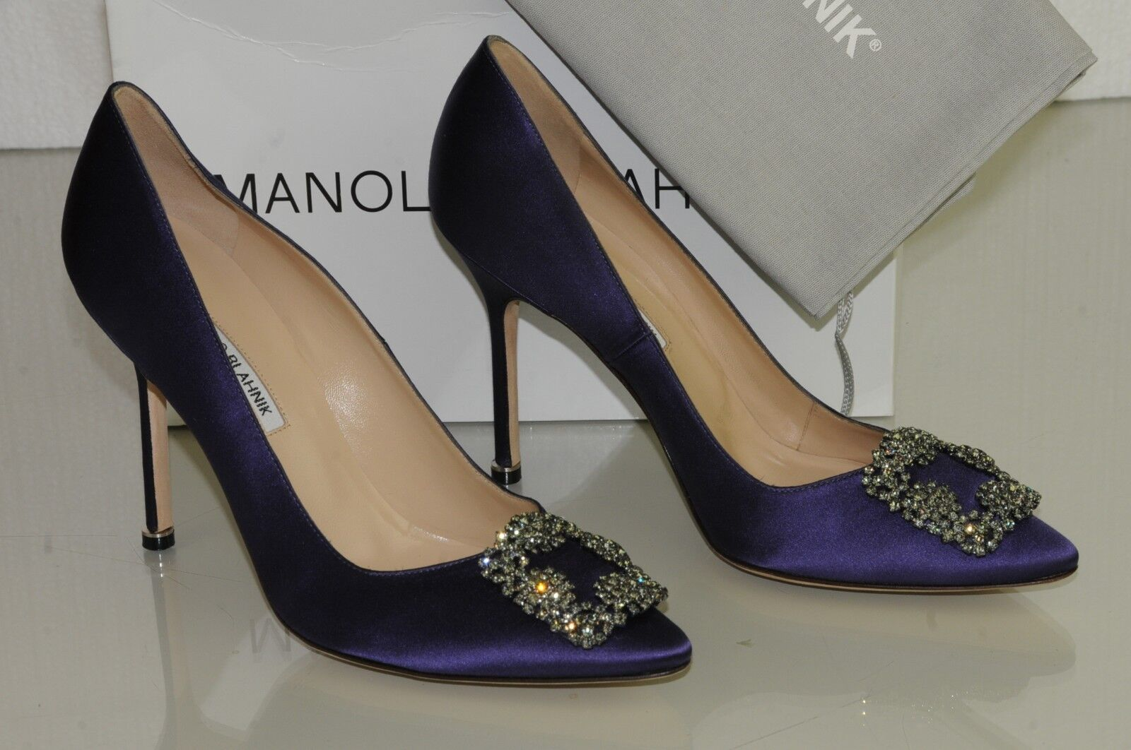 965 NEW MANOLO BLAHNIK HANGISI Plum Purple Satin JEWELED Pumps SHOES 40 40.5 41