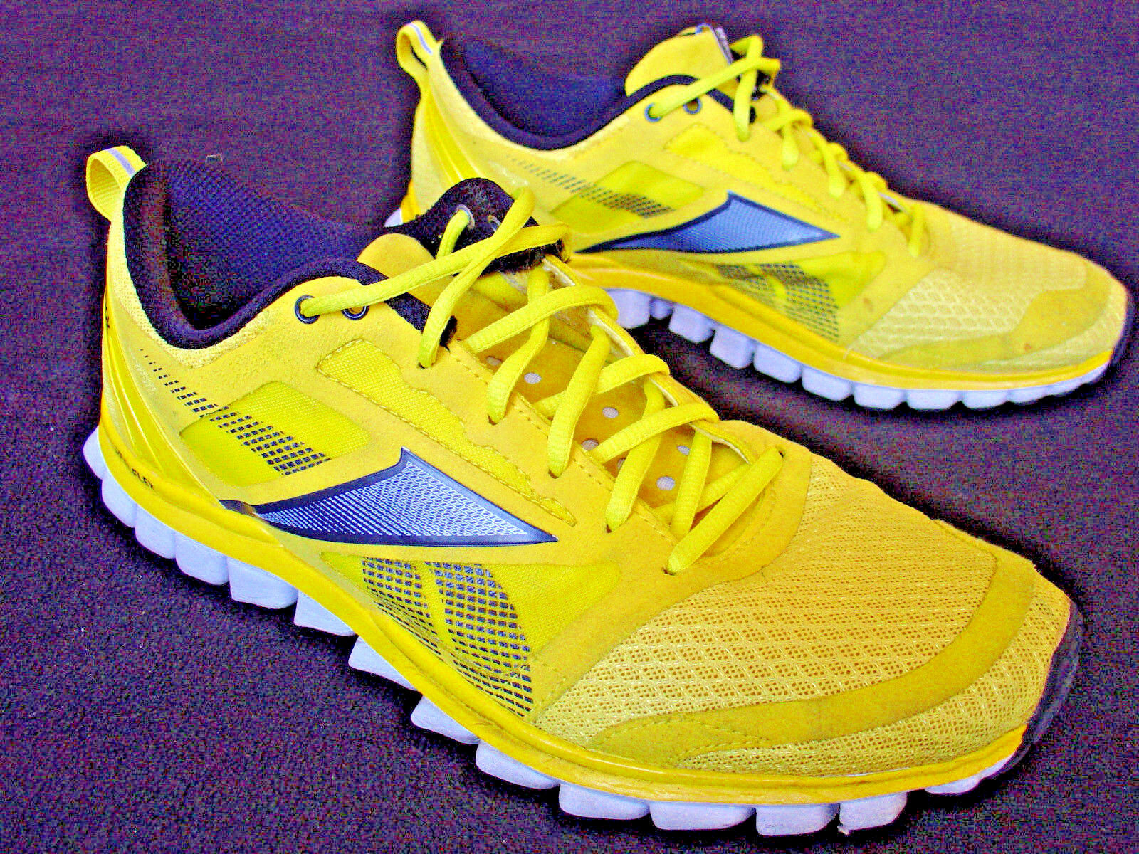 Reebok Real Flex Shoes. Running Sneakers ( Mens SIZE 10 ) YELLOW
