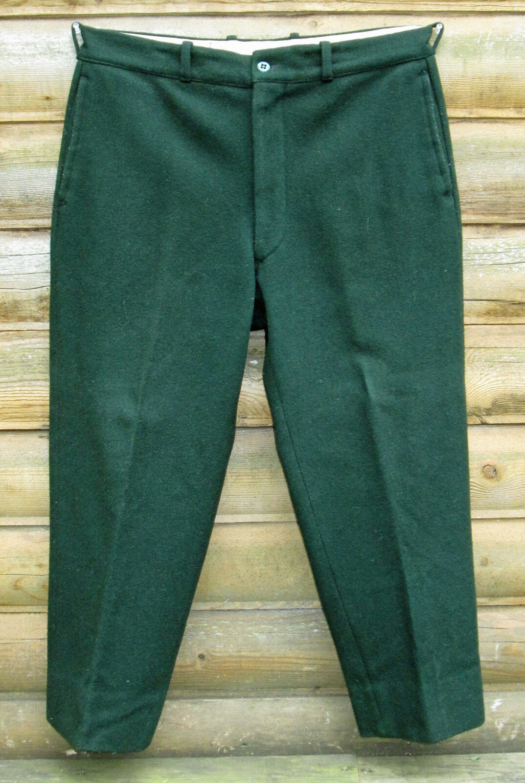 VINTAGE GREEN FAMOUS NAME SANTA HUNTING PANTS -- WAIST 36    INSEAM 26