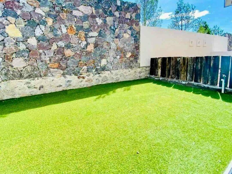 Thandi, Zibatá, El Marqués