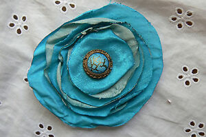 FLOWER-Brooch-Pin-TEAL-AQUA-Bohemian-Centre-8-9cmAcross-READY-TO-WEAR-Petaloo