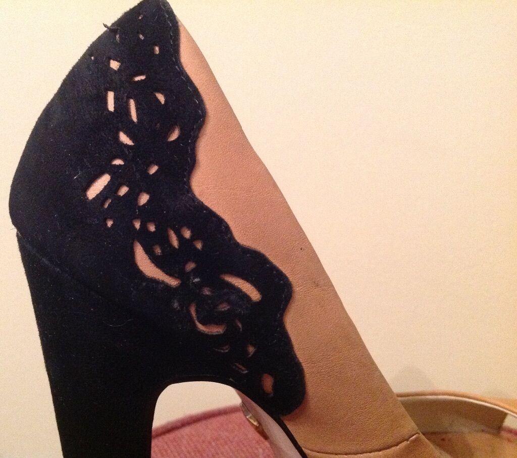 Kg Kurt Geiger Beige Beige Beige Cuero Gamuza Negra Punta Abierta Zapatos, tacones altos, tamaño 5 03e9b7