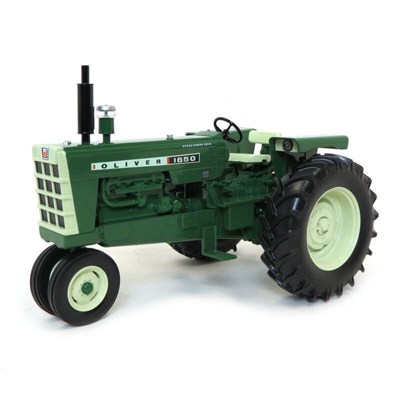 Oliver 1650 GAS NARROW FRONT TRACTEUR 1 16 Diecast Model by specCast SCT559