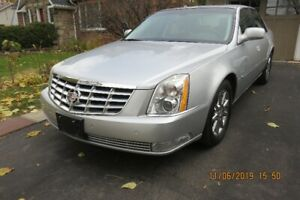 2011 Cadillac DTS , ONLY $8998.00. 82,000 KMS