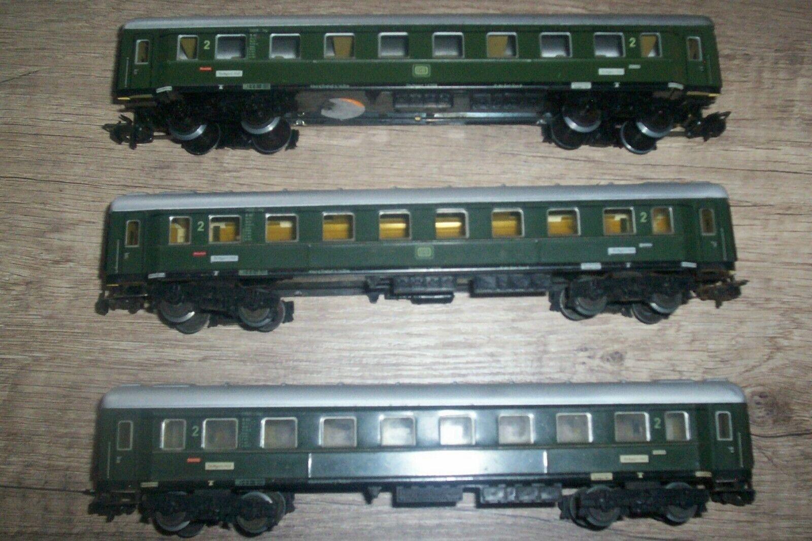 3 Märklin Personenwagen 2. Klasse