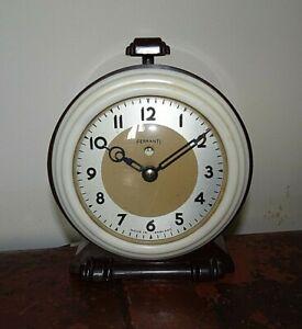 Antique-Art-Deco-Ferranti-Bakelite-Cased-Electric-Bedside-Alarm-Clock-Press-Top